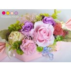 Yahoo!花雑貨 Hanakoプリザーブドフラワー ギフト アレンジ 華やか 藤色 誕生日 退職 結婚 お祝い バースデー 贈答 ケースつき