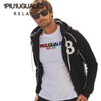 1PIU1UGUALE3 RELAX ウノピゥウノウグァーレトレリラックス ラインストーンジップ 刺繍ロゴ スウェットパーカー USO-21007 ブラック メンズ フーディー