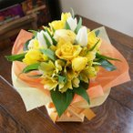 成人祝いプレゼント チューリップの花瓶のいらない花束 ブーケ<イエロー&ホワイト