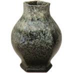 独特の存在感を放つ信楽焼き(しがらきやき)の花瓶・花入・花器