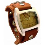 スタッズを施したブレス感覚の時計です!