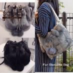 ファーバッグ 巾着バッグ レディース ショルダーバッグ 斜めがけバッグ ファーポンポン付き バケツ型 バッグ  巾着 フェイクファー PU 秋 冬 黒 ブラック