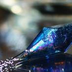 『Dreamblue 〜 Resonance macrocosm 〜』 ガラスアクセ ネックレス・ペンダント 立体造形タイプ