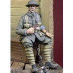イギリス軍 弾薬箱に座る歩兵 WWI WWI British Infantryman Sitting a case  1/35