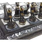 "エジプト アヌビス チェスセット HPL Egyptian Anubis Chess Set Black Silver and Gold Men with 16"" Hieroglyphic Board"