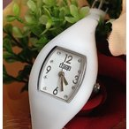 ショッピング雑誌掲載 腕時計 レディース ウノアエレ 1AR ワンエーアール EASY WATCH ホワイト UJP750 軽量 雑誌掲載 全国送料無料
