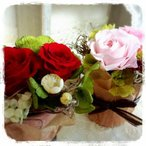 超ミニミニ2輪ローズのフラワーアレンジメント◆赤、ピンク イエロー ギフト 誕生日 プチ祝い 母の日
