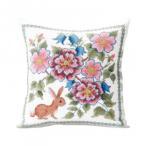 (同梱不可)オノエ・メグミ 刺しゅうキットシリーズ 花咲く庭の小さな物語 -テーブルセンター- ブルーベリーとウサギ 1202