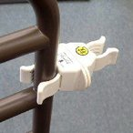 杖ホルダー つえポンPタイプ ベッド・車椅子用 パイプ挟み込みタイプ 1個