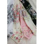優雅さ、さりげなくヒラリ!花柄と鏡柄が上品 スカーフやひざ掛けにも使える 刺繍大判ハンカチ(ネコポス可)