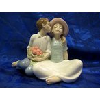 雅虎商城 - リアドロ スチールING A KISS BOY AND GIRL COUPLE SITTING BENCH FIGURINE NAO BY LLADRO  #1781