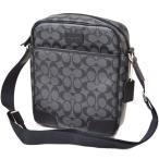 コーチからシンプルなカメラバッグが登場!プライベートにもお仕事にも使えるバッグです!シンプルな形なの...
