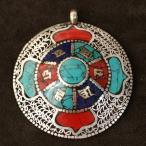 チベット密教 観音菩薩の六字真言オーム チベットシルバー ペンダントトップ|曼荼羅(マンダラ)|真言(マントラ) メール便対応可