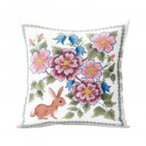 手芸・クラフト・生地 オノエ・メグミ 刺しゅうキットシリーズ 花咲く庭の小さな物語 -テーブルセンター- ブルーベリーとウサギ 1202 ブルーベリーとウサギの愛
