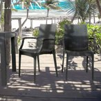 ガーデンチェア ひじ付き 2脚セット LA・TAN | おしゃれ ベランダ ガーデン セット 屋外 庭 プラスチック 椅子 ラタン チェア バルコニー 屋外用 イス