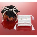 綿20gと糸付き 巾着袋付き和モダンリングピロー手作りキット (黒)和装の結婚式 和婚式 和風 結婚祝い