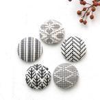 クロスステッチ 刺しゅうキット COSMO 包みボタン5個セット 黒|刺繍 キット ルシアン くるみボタン 和模様 釦