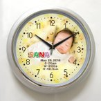 Yahoo!スターキッズ-オリジナルの贈り物写真 時計「思い出写真館 壁掛け時計シルバー枠33センチ 」 写真文字盤 オリジナル時計 名入れ時計 出産祝い 内祝い 新築祝い 結婚祝い 贈り物 誕生日 ギフト