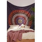 Urban Outfitters/アーバンアウトフィッターズ Plum & Bow Medallion Tapestry タペストリー パープル