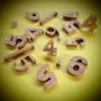 木製切文字数字 欅3cmの木の文字