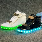 Yahoo!谷村通販スニーカー LEDスニーカー 光る靴 光るスニーカー 7カラーチェンジスポーツシューズ 充電式LEDスニーカー メンズ レディース シューズ くつ 男女
