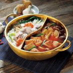 ◆リニューアルOPEN◆ 一度で2種類の味が楽しめる♪ 仕切り付き 二色鍋 IH対応 直径28cm 甘口・辛口も同時に調理 ◇ 金色の仕切り鍋