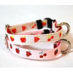 フルーツ イチゴ 首輪(カラー) Mサイズ トイプードル 布×ナイロン 国産 犬 首輪 ペット用品  通販 ペットグッズ 小型犬