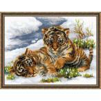 "RIOLISクロスステッチ刺繍キット No.1564 ""Tiger Cubs in Snow"" (雪の中の子トラ 虎) 【海外取り寄せ/納期30〜60日程度】"