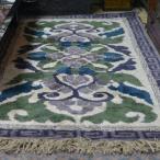 鍋島緞通 手織蟹牡丹 灰地ミックス 緑二重雷文 95×191cm