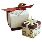Yahoo!ラッピング倶楽部Yahoo!店PalaDec パラデックバロエ デコレーション アロマキャンドル VRE-A ギフトボックス WH ホワイト    ラベンダーの香り