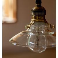 クリアガラスでできたシンプルなシェードです。 ペンダントコードを合わせてインテリア照明に。 ※シェー...
