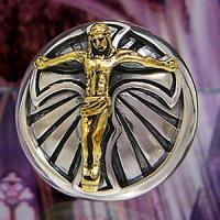 十字架とイエスの形をしたシルバーとブラスで作られたコンチョです。ゴールドカラーのイエスの作りは細かく...