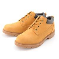 ティンバーランド定番ブーツのローカットバージョンになります。 タウンユースを目的としたモデルのため、...