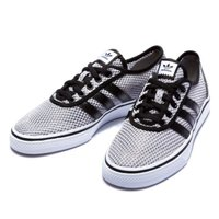 adidas Skateboarding(アディダス スケートボーディング)のスニーカー。スケートボ...