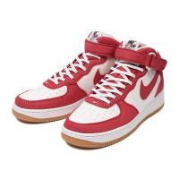 1982年に発売されたナイキバスケットボールの名作・エアフォース1。 常にスニーカーブームの中心にあ...