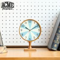 ACME Furnitureでは初のリリースとなるスタンドクロック。ヴィンテージの時計をベースに文字...