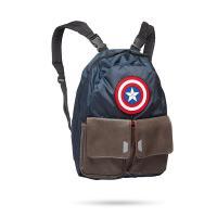キャプテン・アメリカのリバーシブルのバックパックです! キャプテン・アメリカのマークの入ったコスチュ...