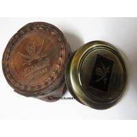 真鍮でできたコンパスです。 コンパス直径5cm ケース直径7.5cm  商品内容 ・コンパス本体 ・...
