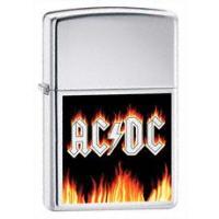 定番のクロムジッポーに有名ロックバンドAC/DCのロゴに炎を配したベーシックなアイテム。  アメリカ...