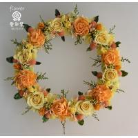 プリザーブドフラワーリース レモンイエローのバラとオレンジ色のお花で明るい色合い