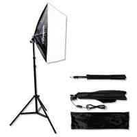 初心者でも扱いやすい撮影用ライト、テーブルの上で料理や商品を撮影するなら、このモデルで1灯でも十分対...