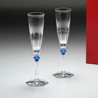 バカラを象徴する、「アルクール」のグラス 深いフラットカットと重厚感のある美しいデザイン アルクール...
