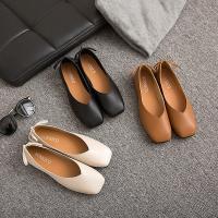 柔らかく脚にフィットして歩きやすい、シンプルなどんなファッションにも合う定番の1足。  ●カラー  ...