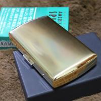 【品名】 PEARL 携帯灰皿 ヴィーナス ゴールド  【製品詳細】88×55×19mm ・真鍮製サ...