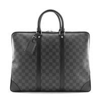 ■ Louis Vuitton   ■  パッチポケットが6つ付いた機能的なブリーフケース 「ポルト...