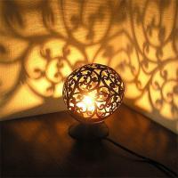 ココナッツのアートランプ 丸型 唐草模様 [直径約15cm] テーブ フロアーライト フットライト おしゃれな きれいな アジアンランプ 照明 エスニック