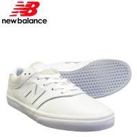 ■カラーについて 01.ホワイト    ■サイズについて  この靴はサイズ表記よりも小さく感じる方が...