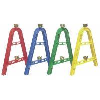 バリケードに単管を橋渡しして使用します。汎用的なφ48.6び単管が使用できます。 収納時はバラして安...