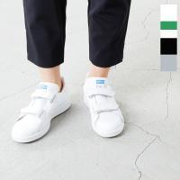 adidas Originals(アディダス オリジナルス)より、ベルクロストラップレザースニーカー...