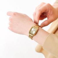 CASIO(カシオ)より、ゴールドメタルアナログ腕時計のご紹介です。スクエアフレームがモダンでクラシ...